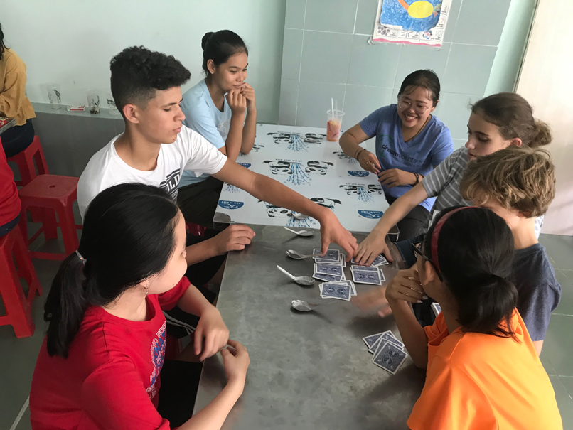 Guatemala volunteer helping a school